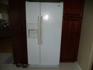 Maytag Side by Side with ice & water dispenser Good condition!!!