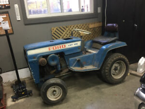 FORD LGT 100 Lawn Tractor