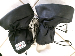 Stonz boots with liner size large