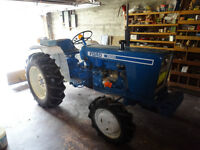 Ford  4 wheel drive Tractor model 1900. **Very low Hours**