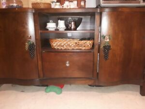 REDUCED PRICE Kitchen/dining table, 4 chairs and buffet