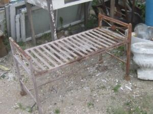 1960s SHABBY CHIC METAL GARDEN PATIO YARD BENCH PLANT STAND $60