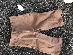 Old navy 6-12 month pants never worn