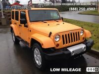 2012 Jeep Wrangler Unlimited Sahara   4x4 - Navigation - Leather