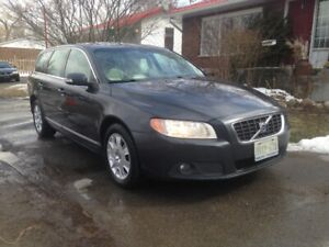 2009 Volvo V70 Wagon Meticulously Maintained 3.2 Certified!!