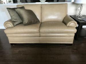 Quality leather sofa and loveseat !