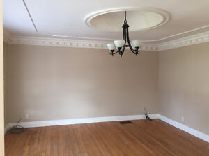 Bright & Spacious 3 Bedroom Main Floor Apartment
