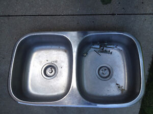 Kitchen sink London Ontario image 1