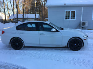 THIS 2017 BMW  IS  LIKE  NEW  3- SERIS 33OI--X DRIVE