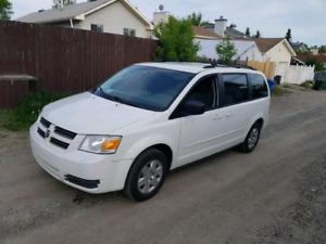 2009 Dodge Grand Caravan SE *Sto N Go*