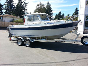 PRICED REDUCED ---- NEED TO SELL.  THIS iS A DEEP WATER BOAT