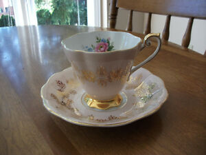 BONE CHINA CUPS AND SAUCERS Kitchener / Waterloo Kitchener Area image 2