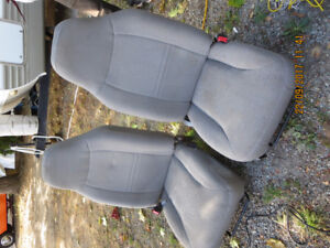 1990's FORD EXPLORER BUCKET SEATS USED 4714 TRUCK