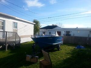 bateaux 19 pieds avec trailleur et moteur de 50