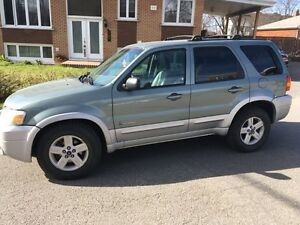 Ford Escape hybrid 2005 3500$