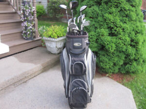 Men's Right Hand 13-pc Golf Clubs Set (Integra Saberhawk) & Bag