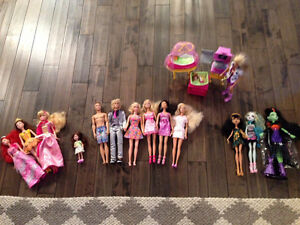 Barbie/Monster High Lot