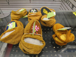 ABORIGINAL SLIPPERS