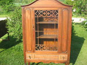 ANTIQUE CHINA HUTCH PAINT PROJECT