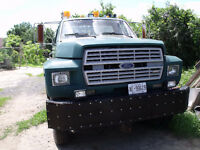 4x4 f 700 ford tow truck