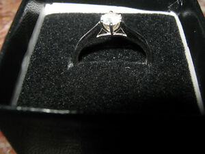 NEW 10K White Gold .75 cttw Moissanite Size 7 Ring