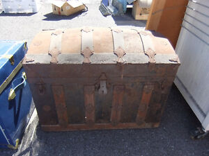 very old vintage treasure chest trunk