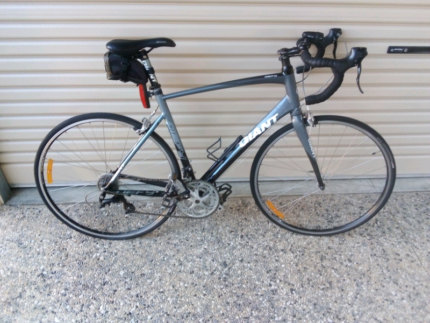 Giant road bike Glengowrie Marion Area Preview