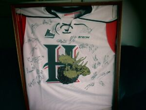 Mooseheads signed jersey