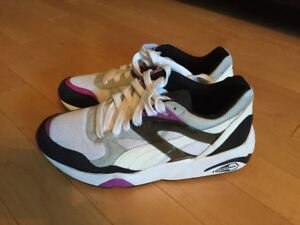 Ladies Puma Running Shoes - Size 6