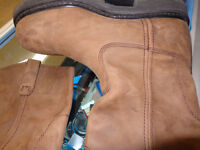 Dickies boots NEW in 11 -  recycledgear.ca