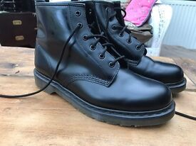 Doctor Martin boots size 10