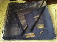 Louis Vuitton scarf shawl shiny with gold tread 140x140cm