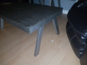 Brand new coffee and end table set