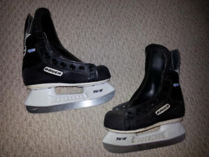 Youth Size 10D Bauer Skates for Sale!
