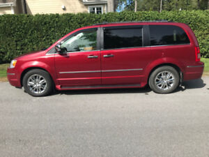 Caravan Chrysler Town & Country Limited 2010