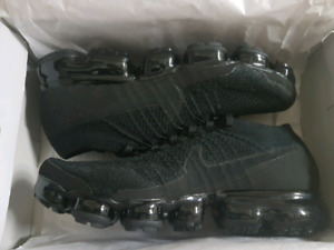 nike air vapormax flyknit triple black 3.0 — sz 8.5