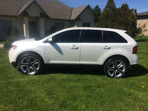 2011 Ford Edge Limited - Navigation - Pano Roof - AWD