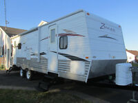 2011 Zinger 26RL.....  Rear Living Room!