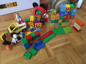 Lot lego duplo + block de bois