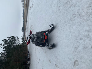 **WANT GONE TONIGHT!2016 skidoo summit 800 154! LOW KMS**