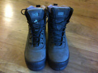 REDUCED Work Boots (like new!)size 9