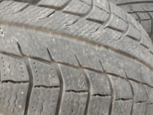 Michelin  X-ICE      215/60/16