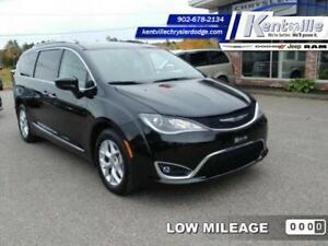 2017 Chrysler Pacifica Touring-L Plus  - Leather Seats