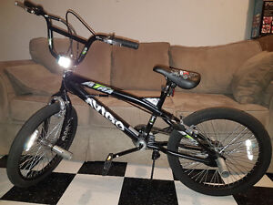 "Boys 20"" Avigo Atra Freestyle Bike"