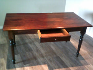 PINE TABLE, $200, EXCELLENT CONDITION