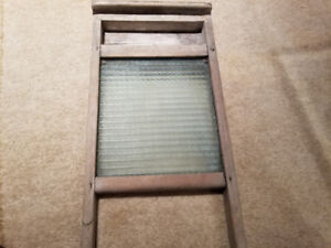 ANTIQUE DECORATIVE WASHBOARD