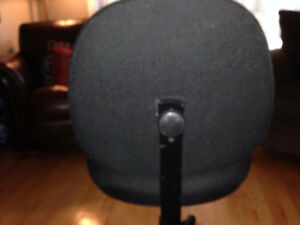 Office chair black-good condition Gatineau Ottawa / Gatineau Area image 2