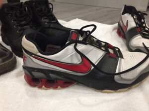 MENS NIKE RUNNERS SIZE EURO 46 / SIZE 12