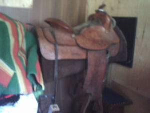 Tex Tan 15 inch saddle in excellent condition