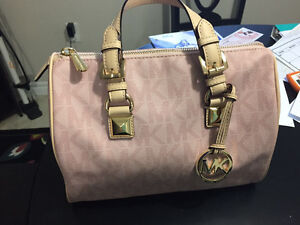 Michael Kors Authentic Pink Leather Purse Perfect Condition